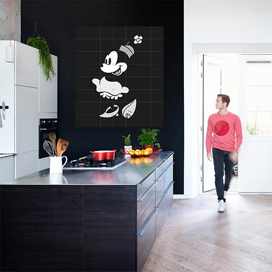 Minnie Mouse 黒 & 白い /Disney 壁を傷つけない 簡単取付 賃貸物件の模様替えにも ヨーロッパで大人気な 名画が楽しめます。
