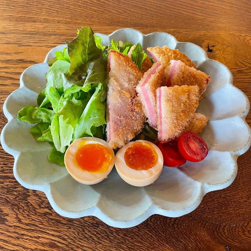 人気 毎日続々入荷 冷凍品 サクサクの食感メガ盛り 20枚 沖縄県産豚肉使用 メガ盛りハムカツ 55g×20枚入り