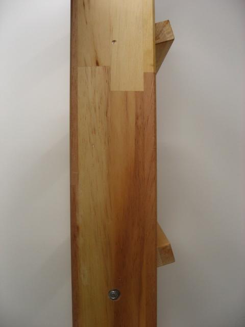室内的木楼梯阁楼楼梯阁楼楼梯阁楼梯子硬件集 (fus-016-13) 时尚。 请完成任何颜色。 客人可以享受木材的天然颜色的变化,因为它是仍然可用。 未上漆的松木胶合层压板。