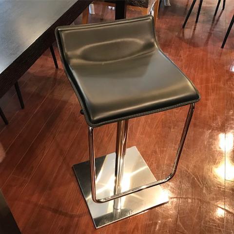 [中古]★モデルルーム展示品★カウンターチェア昇降式ブラック革製チェア家具