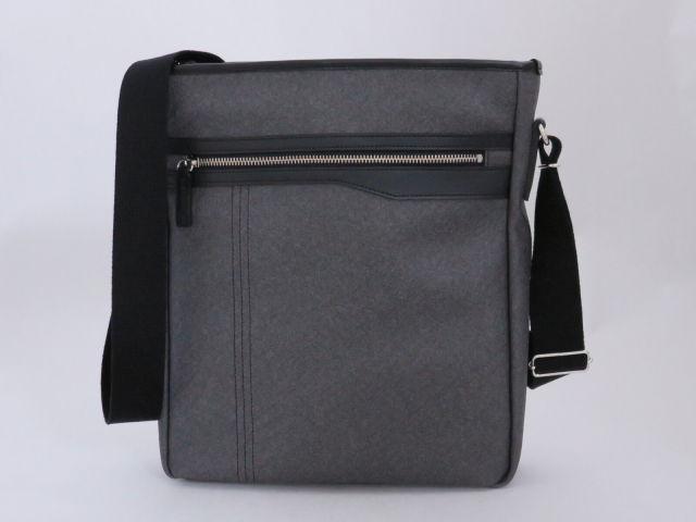 Kiwada (木和田) PVCレザー A4サイズ対応 縦型 ショルダーバッグ / 豊岡鞄