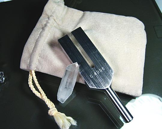供4096Hz晶体调谐器净化使用的的音叉(喜马拉雅山水晶点数附)