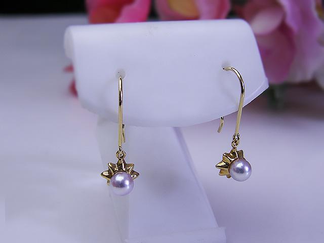 パール ジュエリー たこ 超歓迎された 真珠婚 30年 可愛い 手作り 人気 希少 個性的 送料無料K18タコピアスパール 真珠ピアス あこや プレゼント
