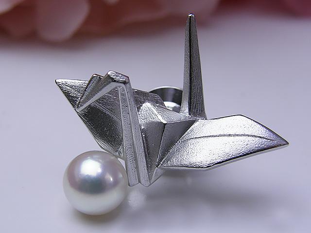 真珠ブローチ 送料無料折り鶴タイニーピンパール ジュエリー つる 真珠婚 30年 おすすめ品 あこや真珠 プレゼント 贈り物 人気 誕生日 折り紙