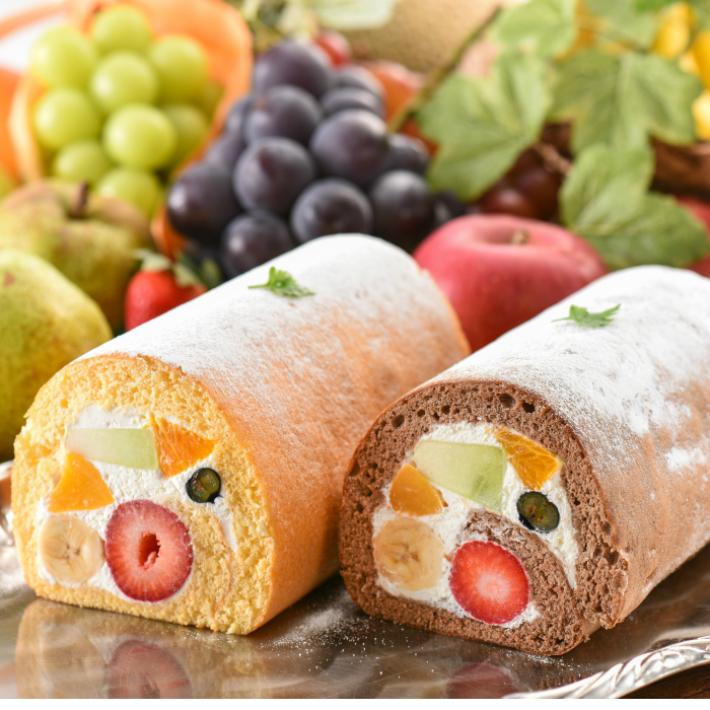 フルーツ専門店ならではのシャキシャキ新鮮なフルーツをぎっしり巻き込んでおります フルーツロールケーキ1本入 誕生日ケーキ パーティー ギフト 超激安特価 プレゼント 御祝 手土産 お誕生日カード NEW売り切れる前に☆ 送料無料 沖縄以外 生クリーム 北海道 バースデーケーキ のし対応