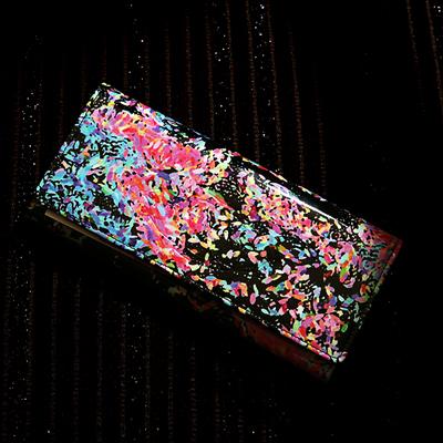 【FRUTTI DI BOSCO】すっきりスマートなアートレザーの長財布 ALBA Lunetta(アルバ ルネッタ)(可愛い 個性的 カラフル 派手)