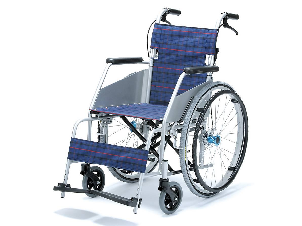 ○KARL II(カール・コンパクト) 自走式 KW-801 濃紺チェック 【片山車椅子製作所】送料無料 介護用品 車椅子 軽量 車いす