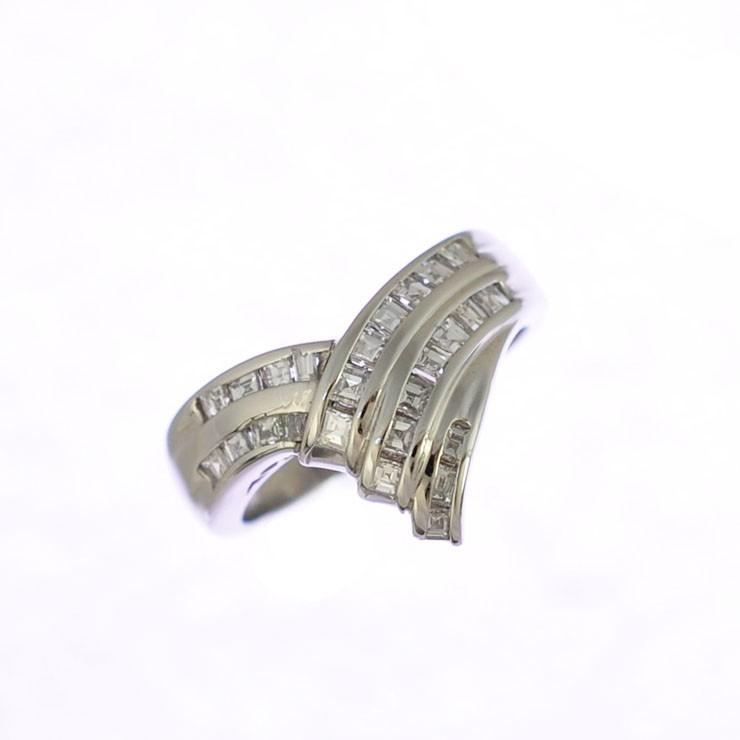【中古】リング プラチナ900 ダイヤモンド V字 3連 クロス 指輪 Pt900 サイズ:14.5号 ジュエリー レディース [送料無料][美品]
