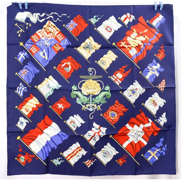 エルメス 大判スカーフ HERMES ネイビー系 PAVOIS 船旗 レディース カレ シルク送料無料美品N8mn0w