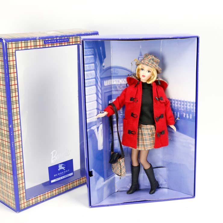 バーバリーブルーレーベル バービー人形 BURBERRY BLUE LABEL チェック柄 リミテッドエディション 1999年 ドール 限定品 コラボ おもちゃ 【中古】【送料無料】【美品】