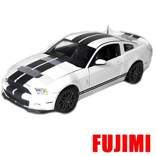 2013 Ford Shelby GT 500 wht 1/18 12963円【ミニカー フォード シェルビー GT500 白 ホワイト マスタング】【コンビニ受取対応商品】