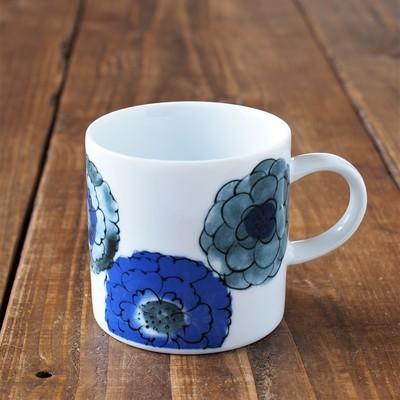 お中元 特別セール品 夏 敬老 ギフト お礼 おすすめ もらって 嬉しい ありがとう マグカップ 藍色 美濃焼 花柄 かわいい 陶器 コーヒー 日本製 瀬戸焼 おしゃれ 最安値挑戦 北欧 和風 焼き物 コーヒーカップ アイス マグ 雑貨 ラテマグ タンブラー カップ コップ