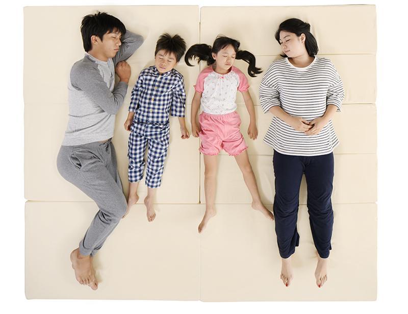 【送料無料】日本製 ソファになるから収納いらず 3サイズから選べる家族で寝られるファミリーマットレス ワイドK240 ブラウン【代引不可】