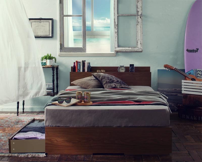 【送料無料】棚・コンセント付き収納ベッド 〔Arcadia〕アーケディア 〔プレミアムポケットコイルマットレス付き〕 床板仕様 セミダブル 〔フレーム色〕ウォルナットブラウン 〔マットレス色〕ブラック【代引不可】