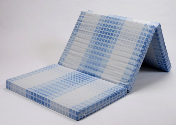 ノンアレルギー体圧分散マット敷ふとん シングル 三つ折りタイプ マットレス  らくらく敷きふとん(敷き布団・敷ふとん) 腰痛 防ダニ タンニン酸加工 フローリングマットレス 130ニュートン ハードタイプ