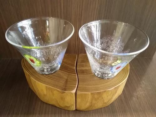【至高の酒器】淳工房『木グラス』(水中花・槐・ペア台座) 中サイズ(約110cc×2)