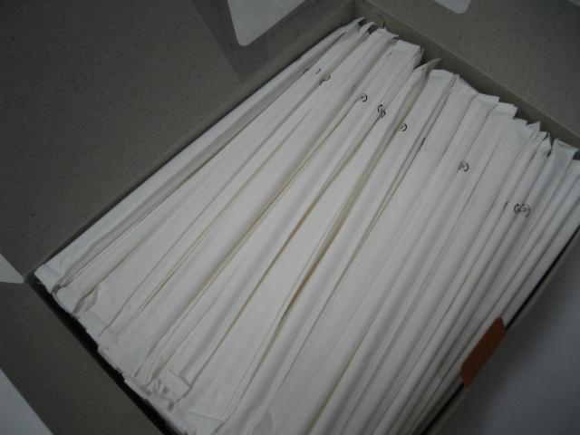 紙で包装されたストレートストローなので 衛生的です ストロー ホワイトストロー ストレート 紙包装 1箱 500本入 ストレートドリンク 包装 テイクアウト 使い捨て 交換無料 サイズ:4.5パイ×180mm 当店一番人気 紙包み 衛生
