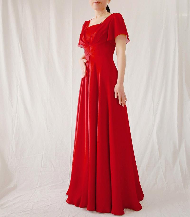 85dd3afde3dbb 二の腕を細く見せる袖丈&お腹を隠す優秀タック入りの袖付きロングドレス ...
