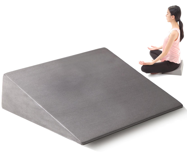 ヨガ メンタルトレーニングに最適な Zenフォーム 販売期間 限定のお得なタイムセール 瞑想 座禅 股割り 読書 股関節の開脚ストレッチ 好評受付中 座布団 三角クッション