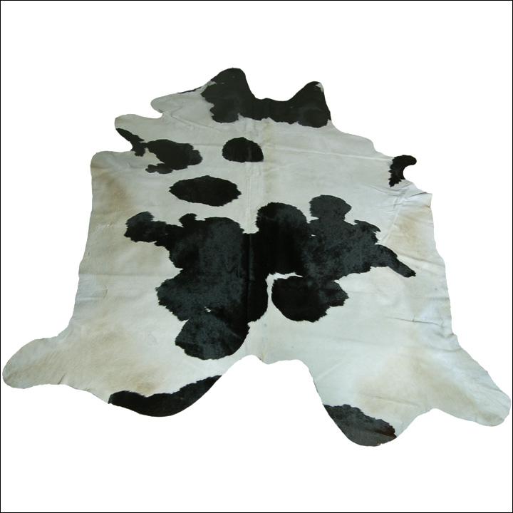 【バッファロー毛皮敷物(カウラグ)】ディスプレイにも最適なリアルファーカウラグマット☆[送料無料][インテリア用カウラグ][カウラグマット][フロアマット][北欧風カウラグ][南米産カウラグ][リアルファーカウラグ]