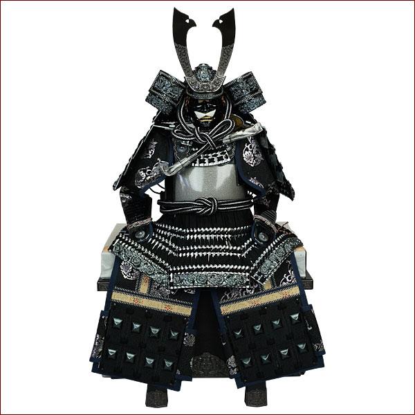 鎧飾り 鎧平飾り 五月人形 五月飾り端午の節句 12号 燻し銀鍛造風弦走り鎧 龍玉作