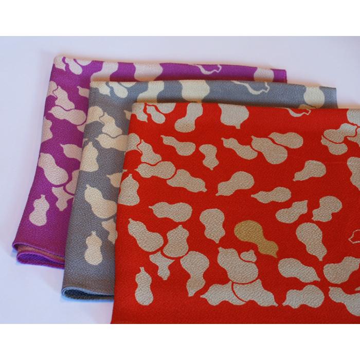 ふろしきの山藤(ヤマトウ)正絹ちりめん友禅風呂敷 ひょうたん 赤 紫 グレー 二巾(約68cm巾)