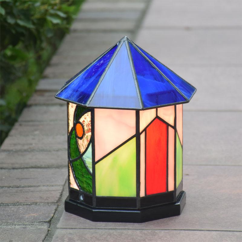ガーデンライト ハウス8角 屋外用 防雨タイプ ステンドグラス ガーデンランプ 庭園灯 外灯 エクステリア 屋外照明 LED 対応 洋風 和風 ガーデン照明 おしゃれ照明 癒し