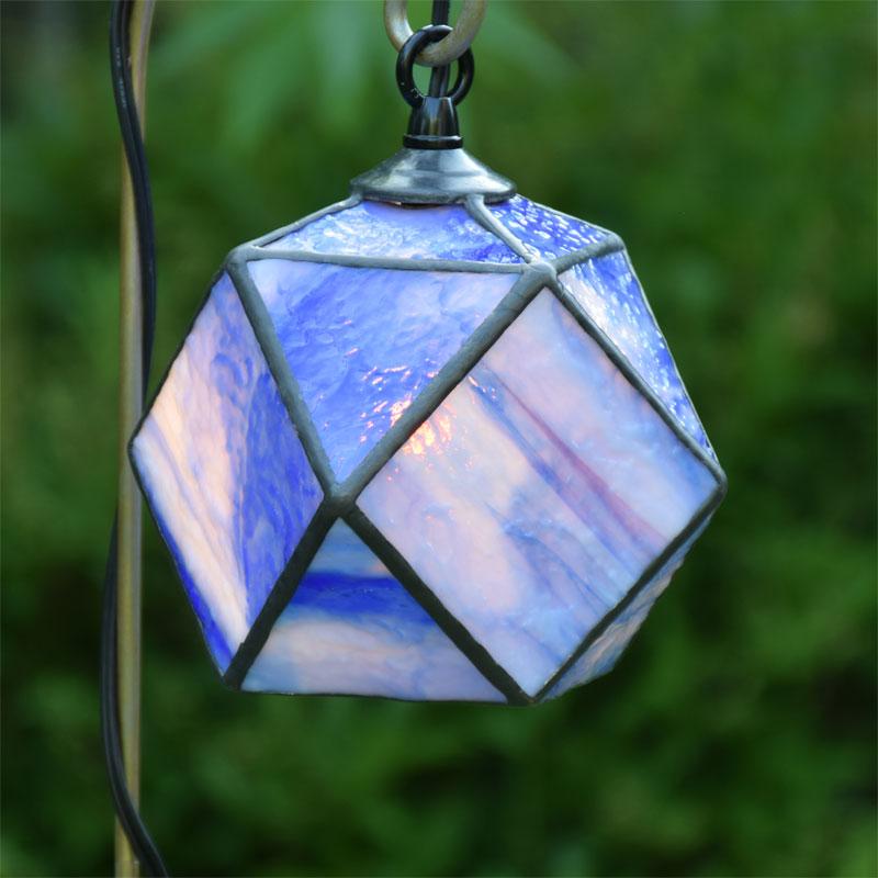 ステンドグラス ガーデンライト 吊下げ式 4k-301ステンドグラス ガーデンランプ 庭園灯 外灯 エクステリア 屋外照明 ガーデン照明 100V 照明器具 LED電球 対応 洋風 おしゃれ