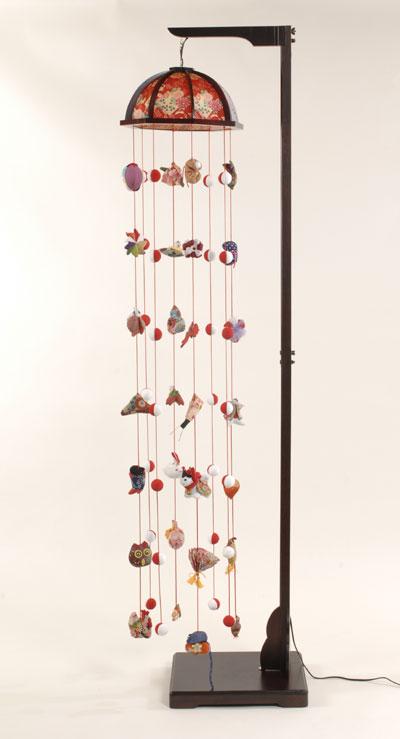 【つるし飾】【ひな人形】つるし雛 祇園つるし雛(大):縮緬灯り傘:スタンド付【吊るし雛】【雛人形】