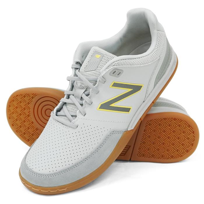 new balance futsal