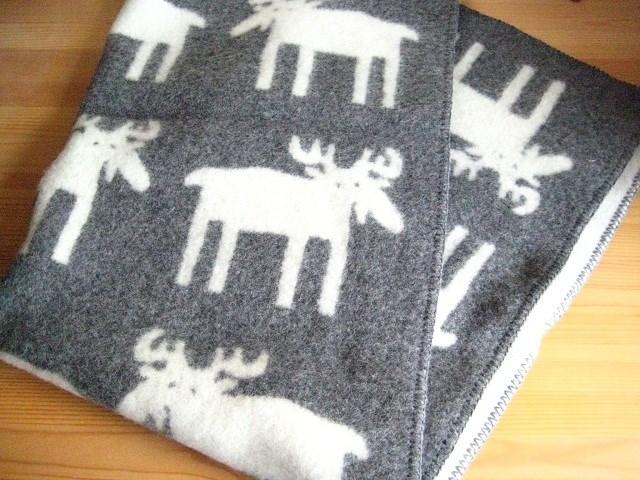 送料無料 クリッパン ムース Klippan Moose ヘラジカ ウール ブランケット ハーフ グレー キャンプ グランピング 北欧雑貨 北欧 出産祝い お祝い おしゃれ 誕生日 プレゼント ギフト