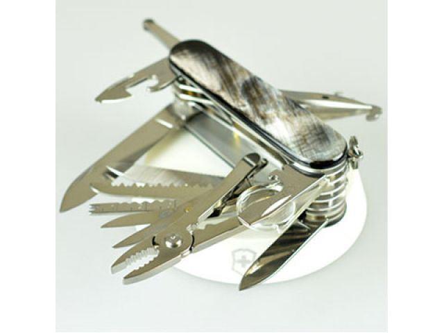 送料無料 ビクトリノックス Victorinox ナイフ&刃物 スイスチャンプ・バッファロー