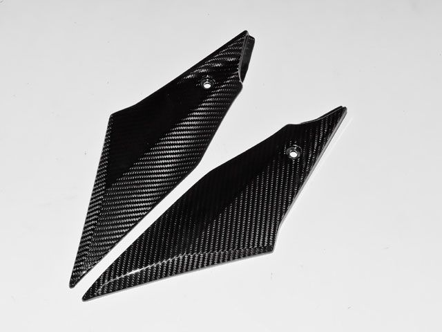 カーボニー YZF-R1 ドレスアップ・カバー YZF-R1 15-年用 ドライカーボン タンクトリム 平織り ツヤ消し