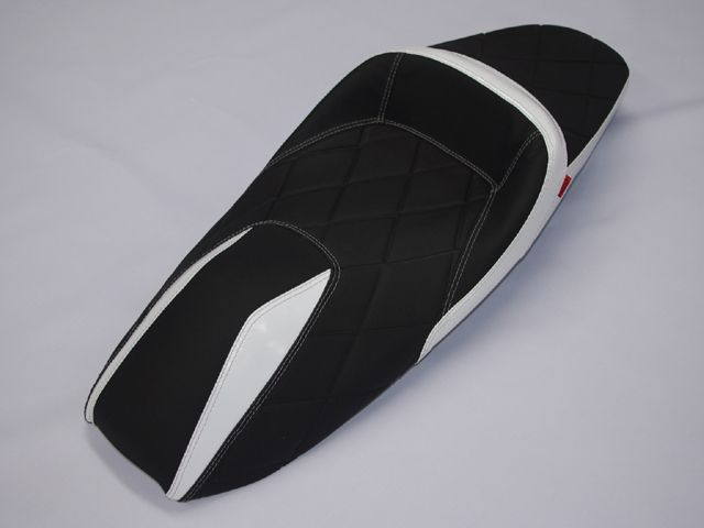 ノイワットダン PCX125 PCX150 シート関連パーツ カスタムシートローダウンタイプ(マッドブラック/ホワイト)