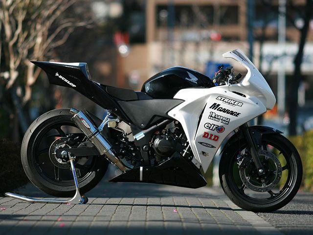 ストライカー CBR250R マフラー本体 レーシングコンセプト スリップオンマフラー