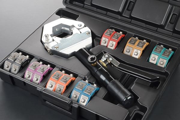 油圧クリンパー かしめ工具 エアコンホース加工に! 超便利 在庫あり 【検 旧車 加締め クーラー ホース ガス漏れ コンデンサー コンプレッサー G172