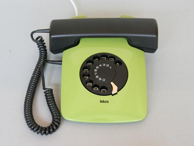 中古 電話機 イスクラ クラーニ ETA82モデル1985年 旧ユーゴスラビア製 ダイヤル式電話機 1機
