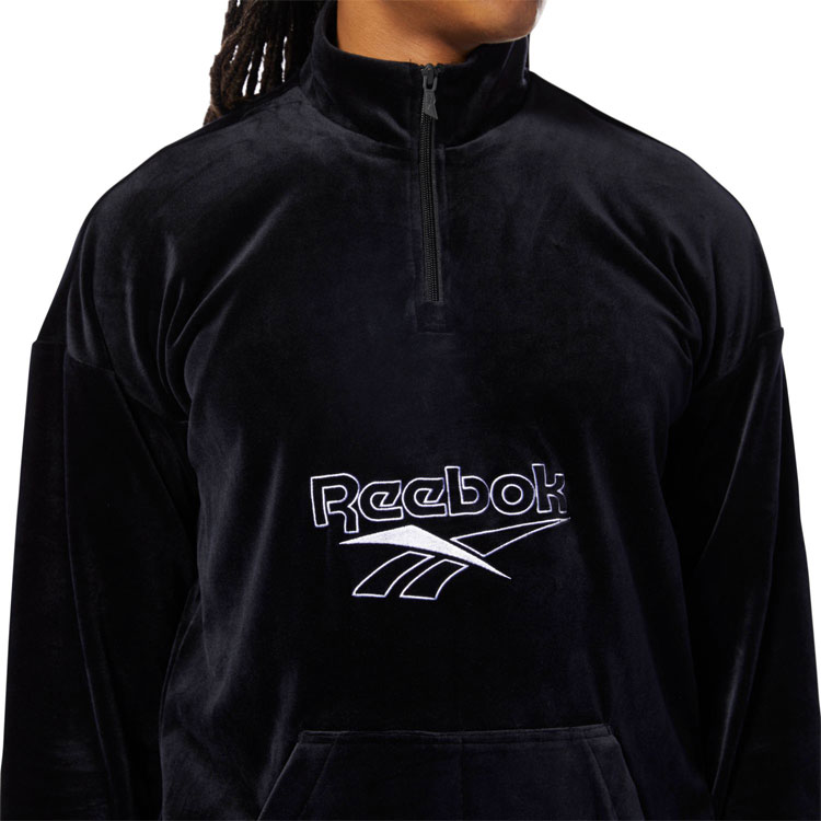 4f0b2a7ba1 Reebok CLASSIC (Reebok classical music) apparel. The collection that let  you reproduce the Vector (vector) logo that was a wear and a symbol of  Reebok at ...