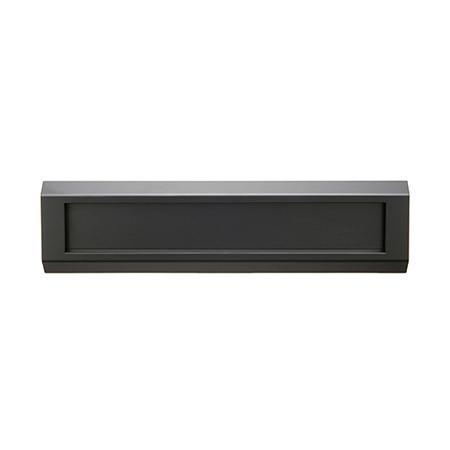 シンプルでベーシックなステンレス製郵便ポストi-Line アイラインType C ブラックきりこみ20mm