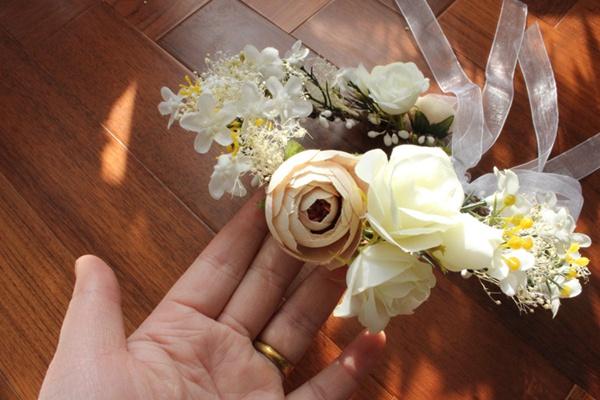 【即納】全3色 花冠 ヘッドドレス ウエディング 造花 花かんむり 綺麗花冠★ドレス カチューシャ /造花 ブライダル /ナチュラル/花輪/結婚式/海外旅行/前撮り【あす楽】