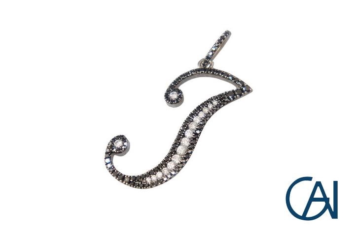 GAI~Select Jewelry~K18WG イニシャル(J)ダイヤモンドペンダント トップ D0.63ct【未使用品】