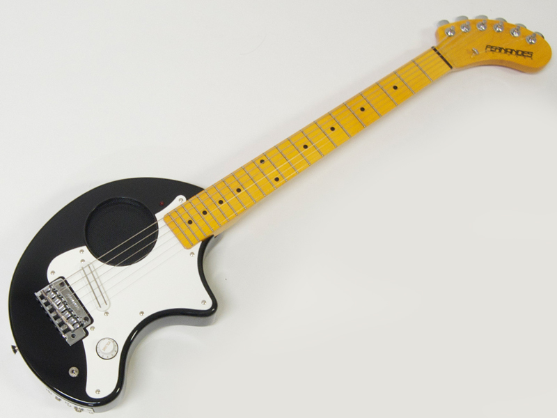 FERNANDES ( フェルナンデス ) ZO-3 ST(BLK) ブラック【アンプ内蔵 ミニギター 】【限定プライスダウン! 】