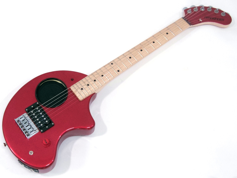 限定のメイプル指板だゾウ。 FERNANDES ( フェルナンデス ) ZO-3 CAR/M【 限定 メイプル指板 ぞうさん アンプ内臓 ミニギター】【ぞうさん3点セット プレゼント! 】 エレキギター