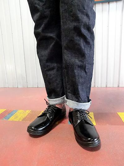 MANEBU マネブ HIHIN FACE SKIN シンプルなプレーントゥシューズ ブラック オンオフで活躍 履きやすく軽い【送料無料】【あす楽対応】