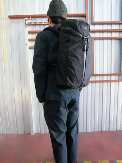 MYSTERY RANCH ミステリーランチ URBAN ASSAULT アーバンアサルト デイリーユースに特化 ブラック DAYパック NEWグレーロゴ 送料無料