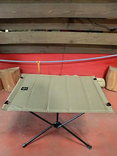 ヘリノックス Helinox タクティカルビッグハードトップテーブル コヨーテ ビッグサイズの収納折りたたみテーブル 送料無料