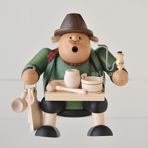 煙出し人形 KWO太っちょ木製品売り 座り 21468