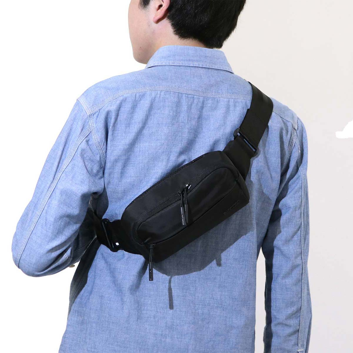 Incase Waist Bag Side