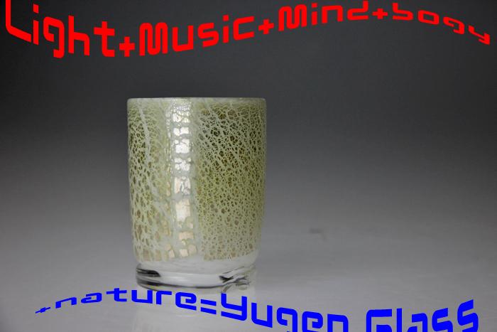 Q點支付 Gallery: Gallery365: 銀牌: 白色玻璃圓底鍋花盆、 盆景盆、 玻璃花瓶,花瓶和花型的郵購 / 銷售