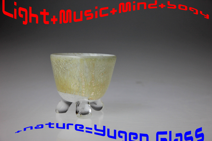 Q點支付 Gallery: Gallery365: 銀牌: 白色的玻璃,一輪花盆花盆、 盆景盆、 玻璃花瓶,花瓶和花型的郵購 / 銷售